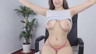 Big tits webcam flashing