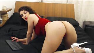Sofiamoroso flashes boobs&ass