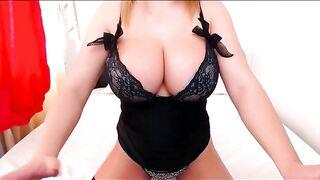 Busty kellybabee webcam vid