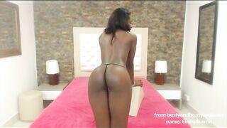 Ebony camgirl ElishaBowen shows perfect boobs and round ass